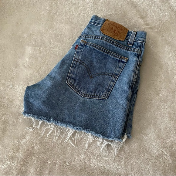 Levi's High Waisted Cuttoff Shorts SZ 13